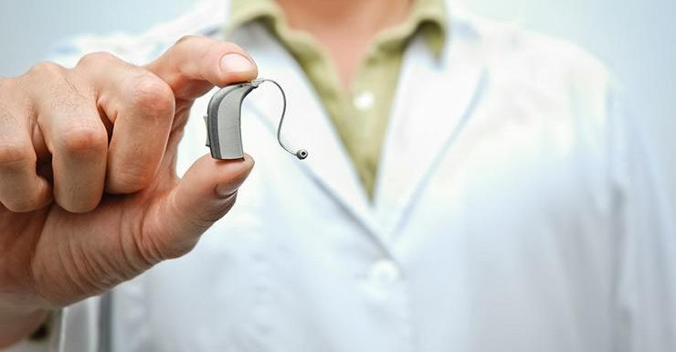 How Do Hearing Aids Work? 5 Features To Look For!
