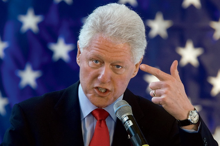 Bill Clinton - Famous Personalities With Hearing Loss